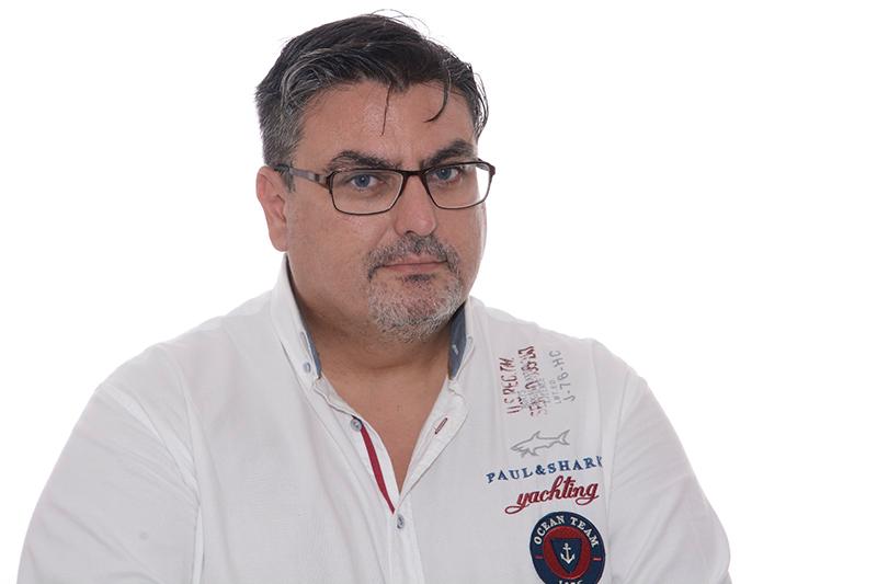 Fernando Buendía, preparador.